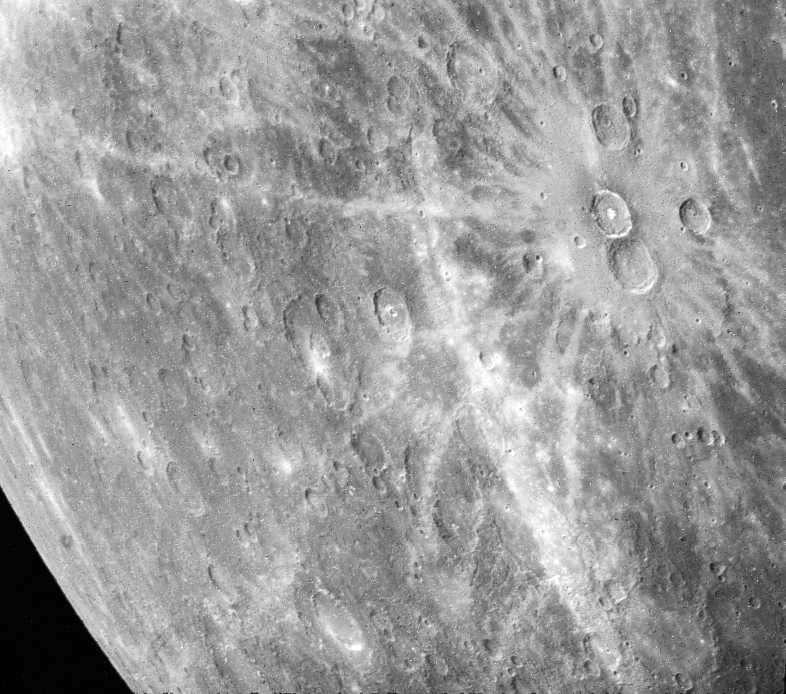 article-univers-mercure-jeunes-crateres-lepangolincom